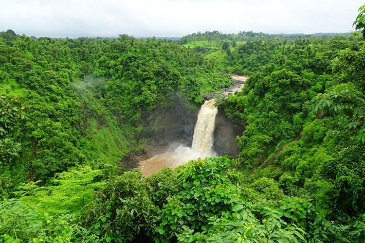 Dabhosa Waterfall, Jawhar